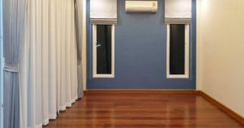 ภาพรวมของ ผ้าม่าน ในห้องนอนใหญ่