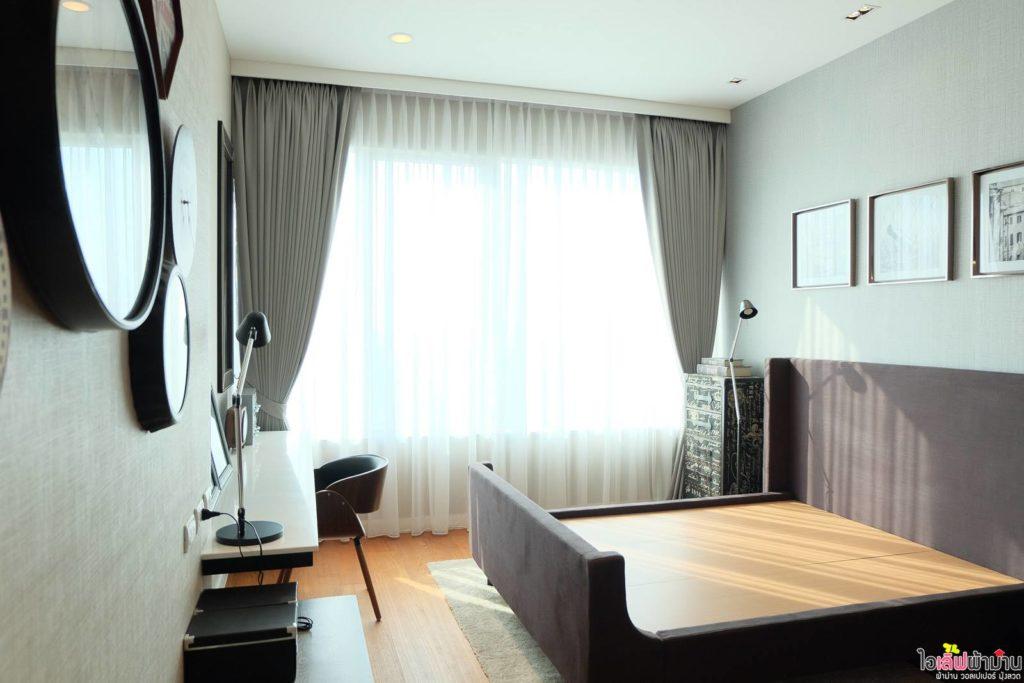 ผ้าม่าน แบบ ม่านจีบผ้าโปร่ง ให้ความเป็นส่วนตัวกับห้องนอน