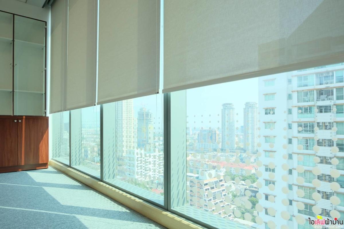 ม่านม้วน Sunscreen รับแสงเพียงพอในการทำงาน