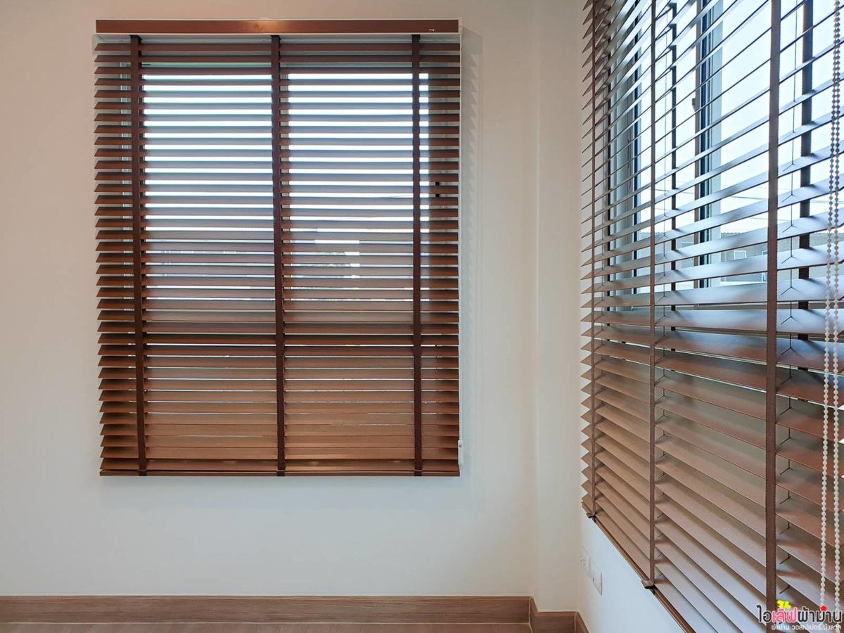 Wooden-Venetian-Blinds-Home-Sammakorn-Chaiyapruek-Wongwaen-2-2-01