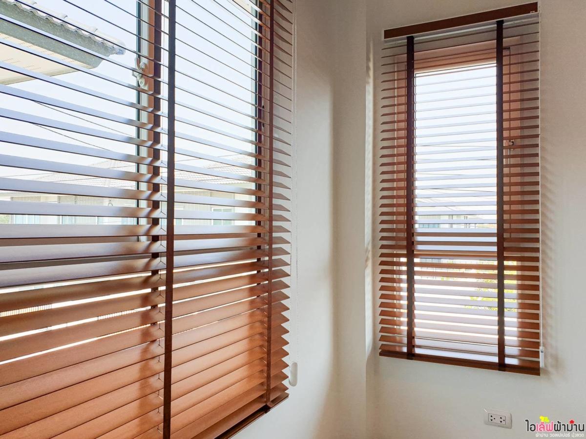 Wooden-Venetian-Blinds-Home-Sammakorn-Chaiyapruek-Wongwaen-2-2-19